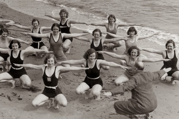 women-in-the-old-workout-gear-9